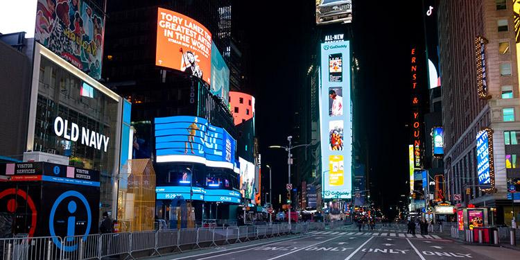 Silencio en Times Square para recibir el nuevo año
