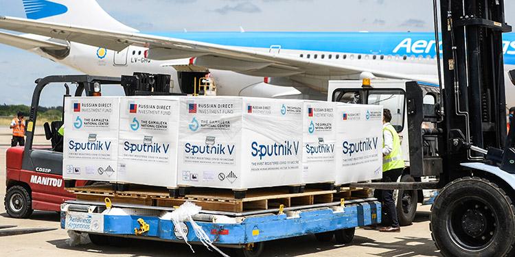 Llega a Argentina el avión de Rusia con la segunda remesa de la vacuna Sputnik-V