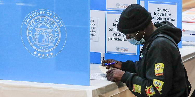 Se inicia la votación en Georgia por dos puestos en el Senado de EEUU
