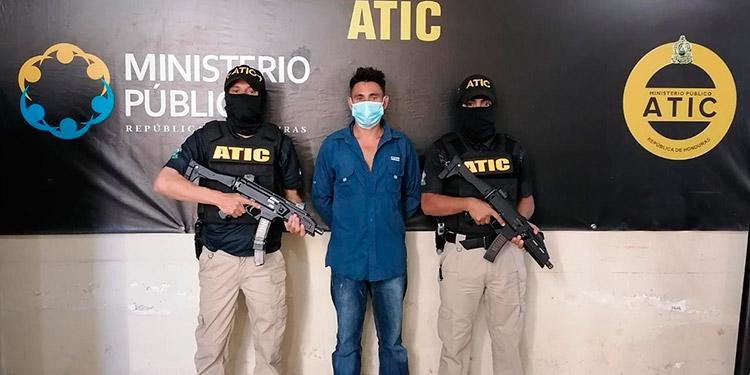 A Elin Alexi Peña Córdoba se le acusa por el homicidio de Lucio Alfaro Torres.