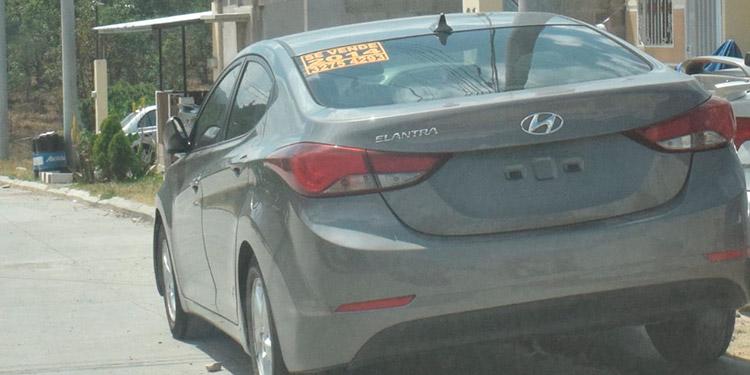La venta de sus vehículos se ha convertido en una opción de ingresos para numerosos capitalinos.