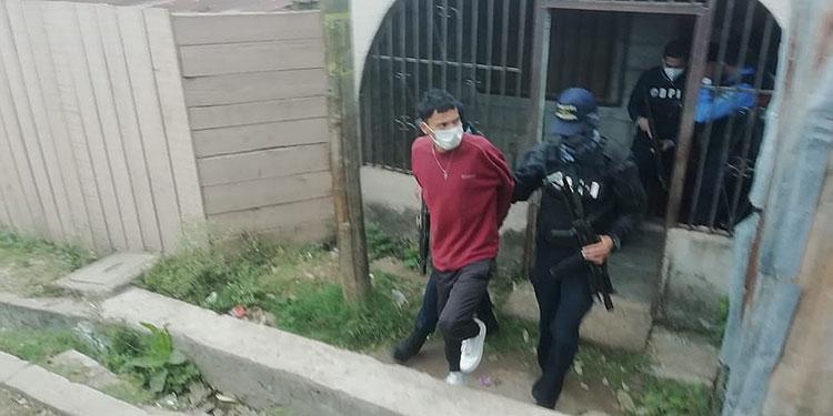 Agentes del Departamento de Delitos Contra la Vida de la DPI, capturaron al sujeto tras varios días de seguimiento.