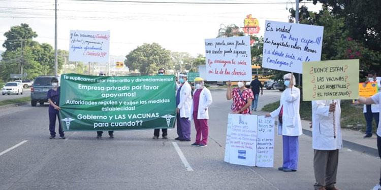 Personal sanitario hace un llamado a la población que tome conciencia y se proteja contra el coronavirus.