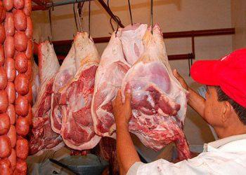 Entre 54 y 56 lempiras se mantiene la libra de carne de cerdo.