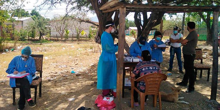 Las brigadas médicas rastrean en varios puntos de la ciudad de Choluteca.