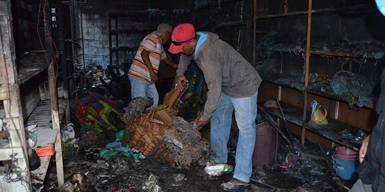 De los siete negocios afectados por las llamas, cinco resultados dañados en su totalidad.