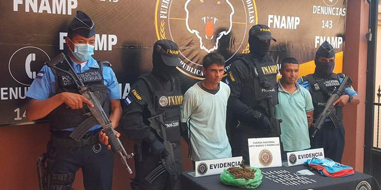 Los detenidos fueron remitidos antes las autoridades judiciales junto a las pruebas de convicción.
