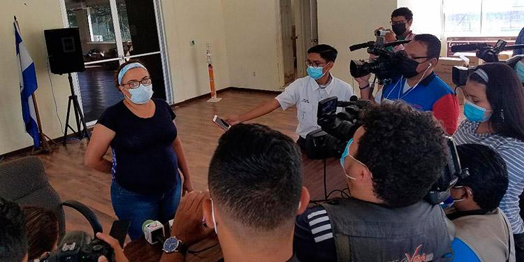 La directora, María Antonia Castro, informó de la cantidad de vacunas contra el COVID-19 que estará recibiendo el HGS.