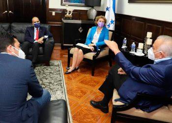 """Anteriormente, Oliva afirmó que """"el Congreso Nacional será la garantía de que habrá elecciones internas""""."""