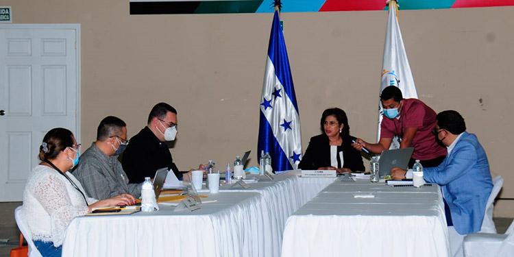Los miembros del Consejo Nacional Electoral, se reunieron y reiteraron que las elecciones primarias se desarrollarán de forma transparente.