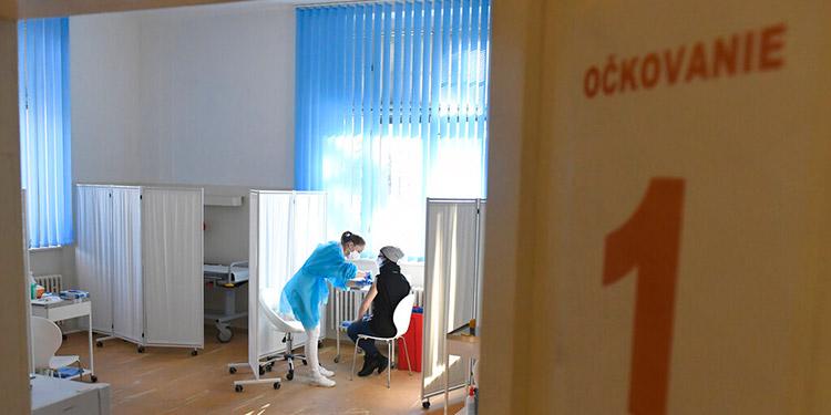 Fuerte aumento de muertes de COVID-19 en Eslovaquia