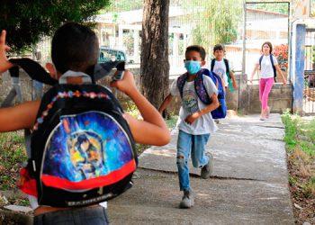 La calidad educativa del país disminuyó considerablemente ante la falta de clases presenciales según maestros y padres de familia.