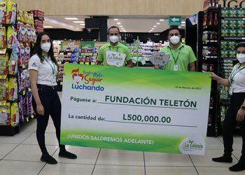 Durante 33 años Supermercados La Colonia ha apoyado a la Teletón, por lo que en esta ocasión se hizo presente con un importante donativo que asciende a 500 mil lempiras.