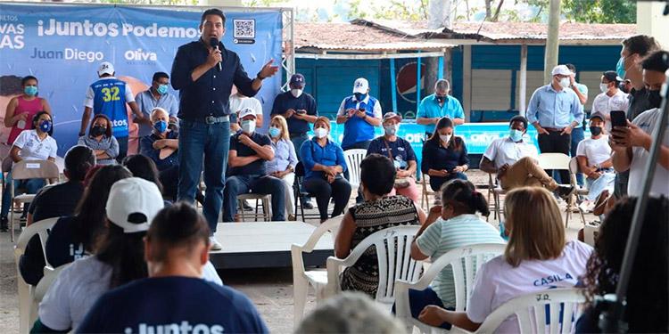 """Juan Diego Zelaya afirmó que """"vamos a votar por Mauricio Oliva, por mi persona y Juntos Podemos, porque queremos un cambio""""."""
