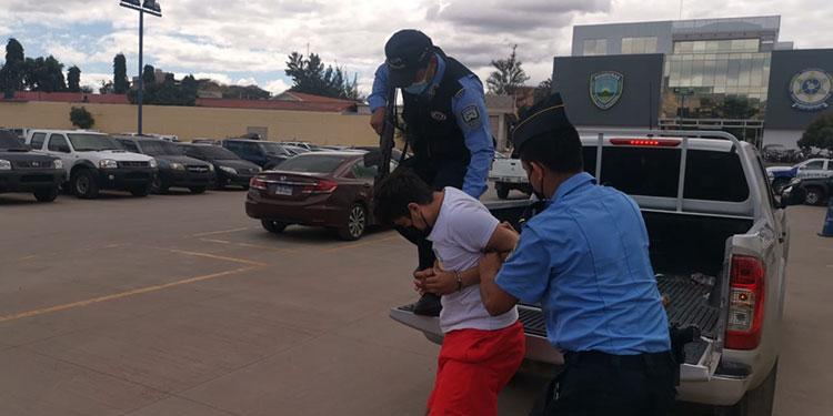 La Fiscalía autorizó la detención del sujeto para que se le siga un proceso judicial.