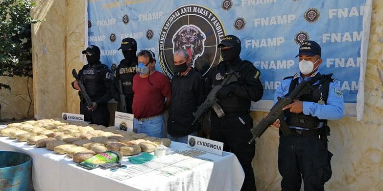Rolando Cardona Romero (58) y Santos Vinicio Méndez (55) están acusados de traficar droga en Comayagua.