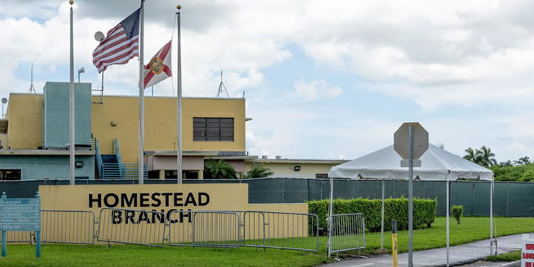 Grupos de derechos civiles de Florida condenaron el martes que el gobierno de Joe Biden reabra un polémico centro de detención de Homestead, al sur de Miami, que llegó a albergar 2,500 niños inmigrantes.