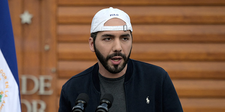 El Salvador celebra este domingo elecciones legislativas y municipales, en un proceso que podría consolidar el poder del presidente Nayib Bukele, quien gobierna desde 2019. (LASSERFOTO  AFP)