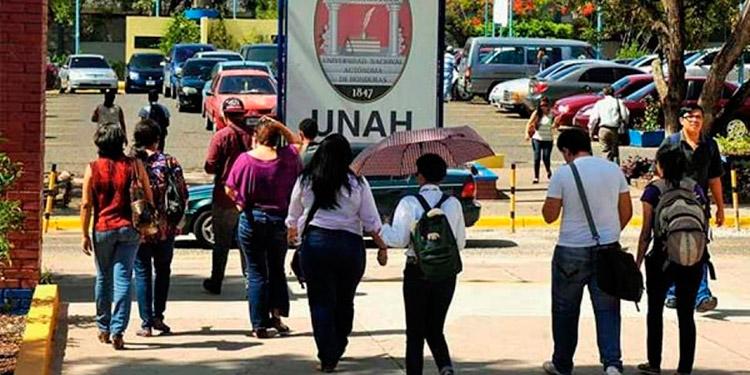 La UNAH recomienda políticas que permitan un mejor aprovechamiento de las remesas que hoy día son la principal fuente de divisas.
