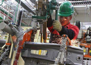 Obreros de la industria y cuidado de personas envían el mayor monto promedio mensual en el orden de 796.4 y 709.8 dólares.
