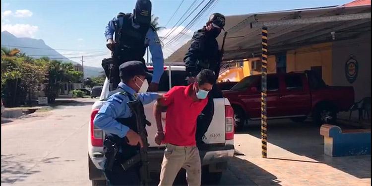 El detenido fue puesto a las órdenes de la Fiscalía para que continúe con el procedimiento correspondiente.