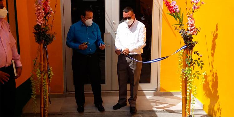 Mejía inauguró de una nueva sede de esta organización sindical en Santa Rosa de Copán.