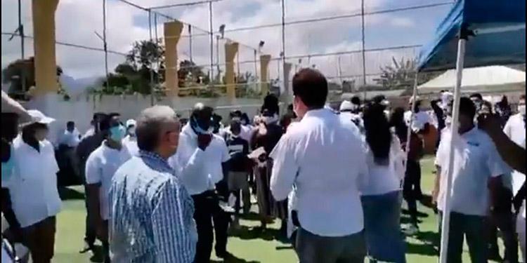 El diputado del Pinu-SD, por el departamento de Atlántida, Tomás Ramírez, en el mitin en La Ceiba.
