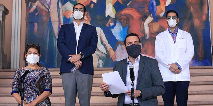 Los ministros Alba Consuelo Flores, Carlos Madero y Marco Midence, presentaron ayer un informe sobre los avances para la adquisición de la vacuna contra la COVID-19.