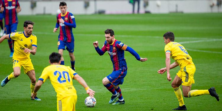 Barcelona empata con Cádiz en partido récord 506 de Messi