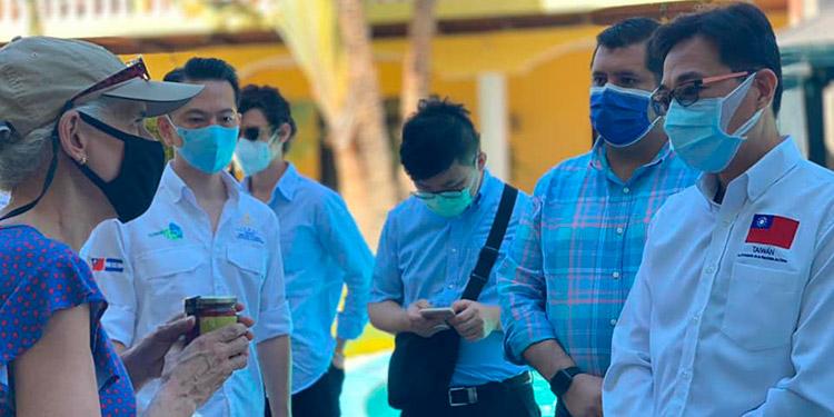 Diplomáticos acreditados en Honduras sostienen encuentro con microempresarios de Comayagua