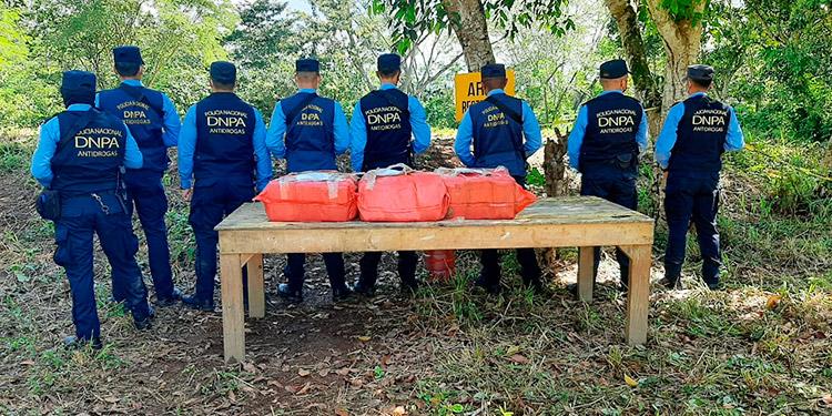 Incineran 124 kilos de clorhidrato de cocaína en Cortés