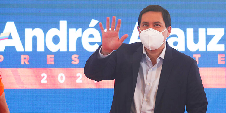 Ecuador: Exbanquero Lasso queda segundo e irá a balotaje