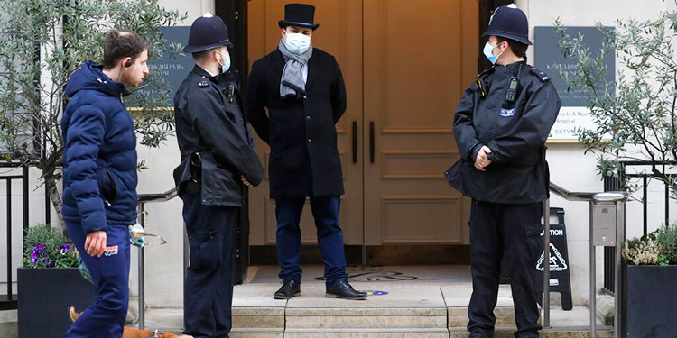 Palacio: Príncipe Felipe tiene infección, permanece hospitalizado