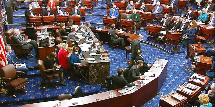 Senadores deciden a última hora seguir juicio a Trump, sin citar testigos