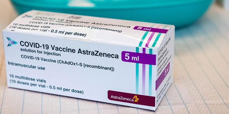 EMA, 'convencida' de que los beneficios de AstraZenenca superan sus riesgos