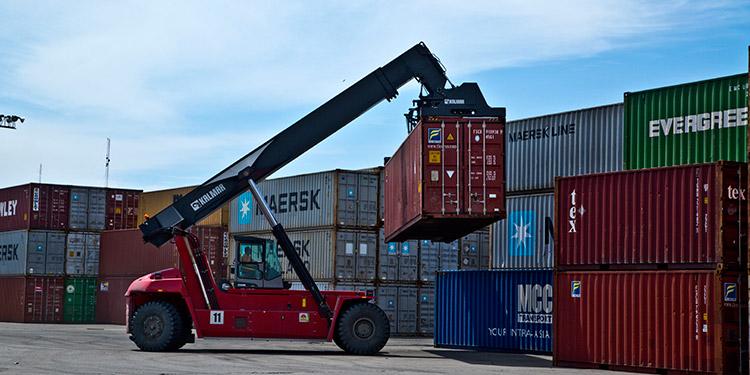 La variación en el tipo de cambio esperada continuará favoreciendo el consumo de bienes y servicios importados.