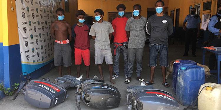 Los beliceños son acusados en su país de asalto agravado, daño a la propiedad, incidente de disparos y lanzamiento de misiles.
