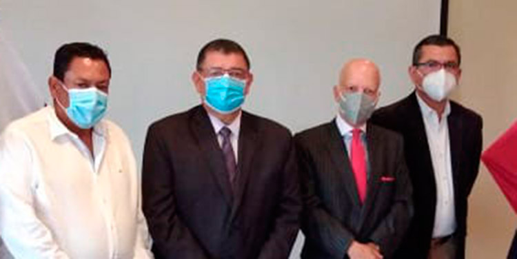 Céleo Ferrera, Francisco Gaitán,  el embajador Enrique Barriga, Janio Borjas