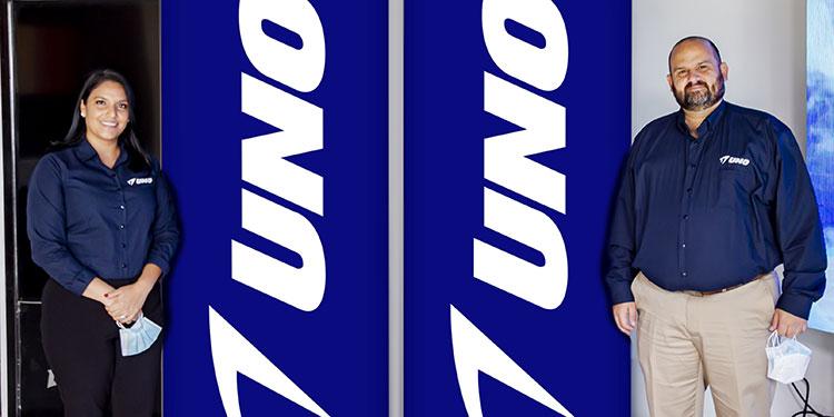 Millie Cano, jefe de marca y el gerente, Mauricio Vitola.