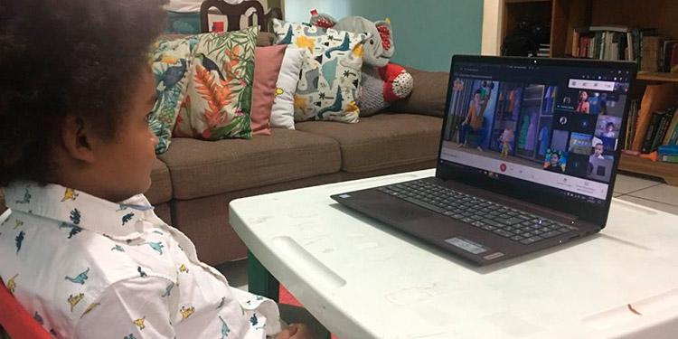 Elías Alejandro, con acceso a educación virtual