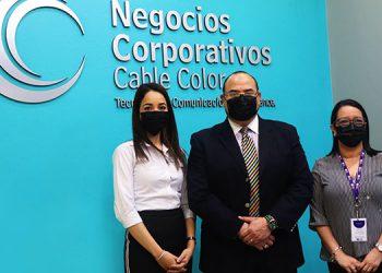 Esther Cálix, gerente de Negocios Corporativos Cable Color para Honduras; Luis Barrientos gerente de Negocios Corporativos Cable Color para Centro América y Emma Velásquez, gerente de Mercadeo de Cable Color Honduras.