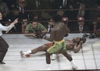 Muhammad Ali y Joe Frazier en la pelea del siglo, hace 50 años.