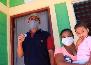 Familias en Lempira resultan beneficiadas con una vivienda digna.