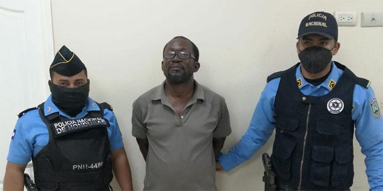 El detenido será puesto a la orden del Juzgado de Letras Departamental de Islas de la Bahía.