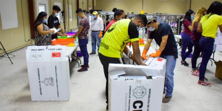 La consejera Moncada resaltó que todos los reclamos de los aspirantes o movimientos serán atendidos en el Consejo Electoral.