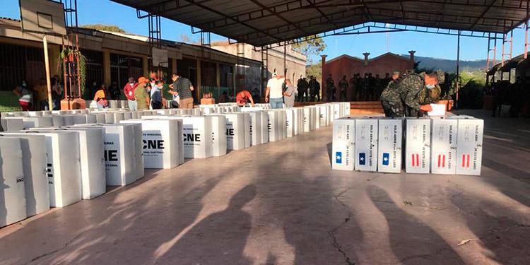 En once rutas serán distribuidas las maletas electorales las cuales llegarán a 44 centros de votación en Siguatepeque.