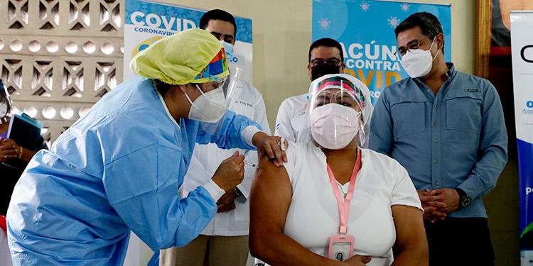 La Secretaría de Salud inició esta semana la segunda campaña de vacunación contra el COVID-19 a nivel nacional.