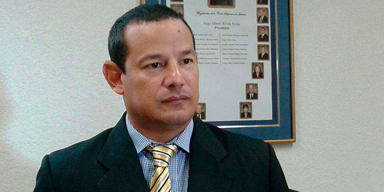 El reconocido abogado Melvin Bonillaes la víctima de la colonia Alameda