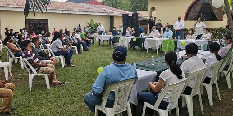 El candidato presidencial del novel partido Nueva Ruta, Esdras Amado López, completó sus estructuras departamentales y municipales en el departamento de Cortés.