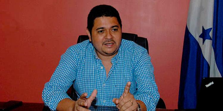 El presidente de la Aneeah, Josué Orellana, confirmó que él y su esposa han sido diagnosticados positivos de COVID-19.